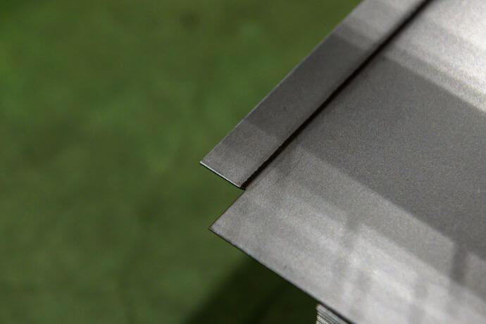 板金成形加工された鋼板